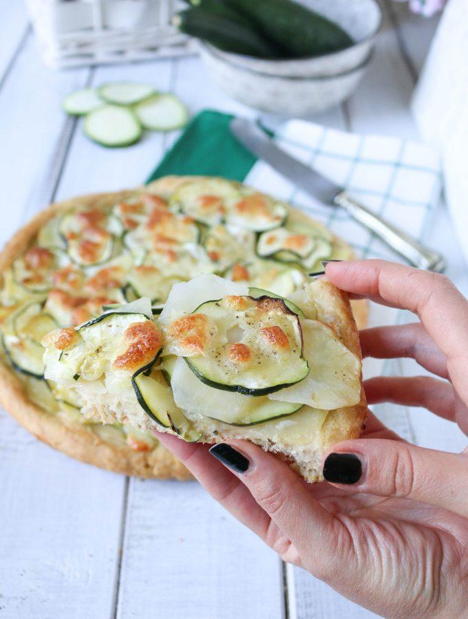 Crostata salata zucchine e patate filante